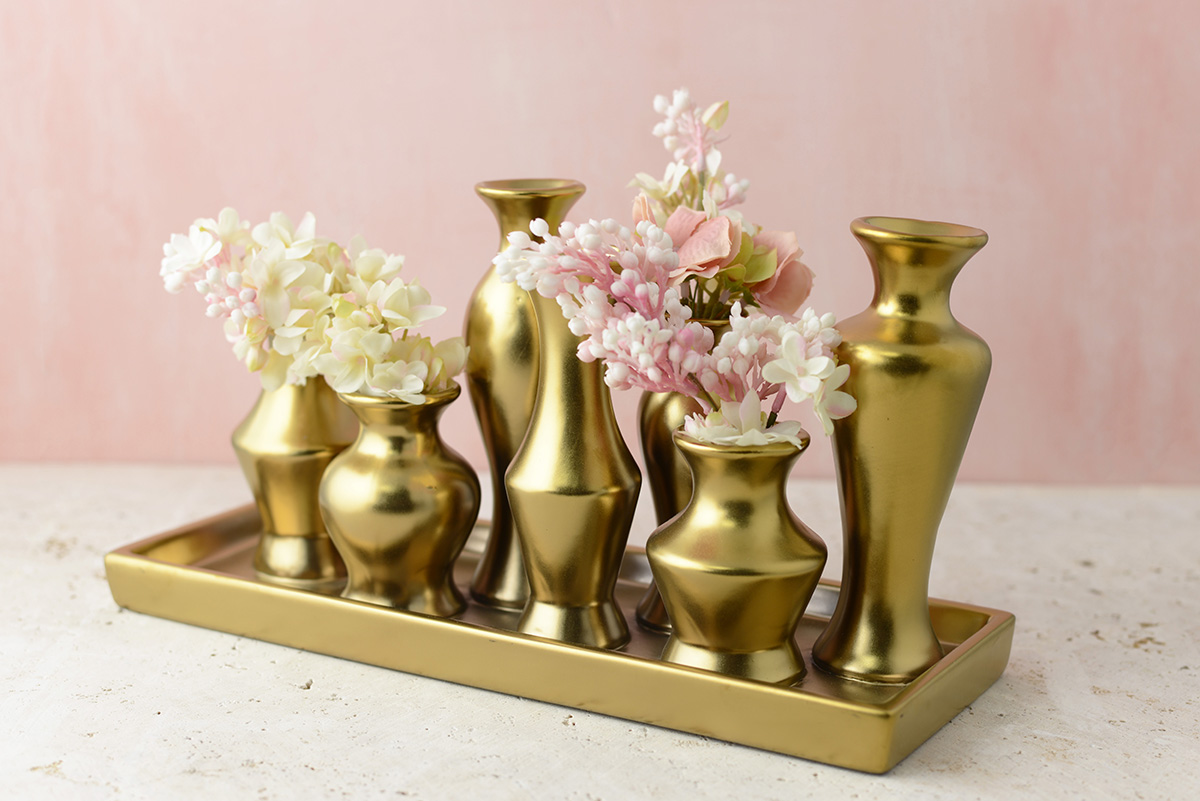 gold-bud-vase-tray